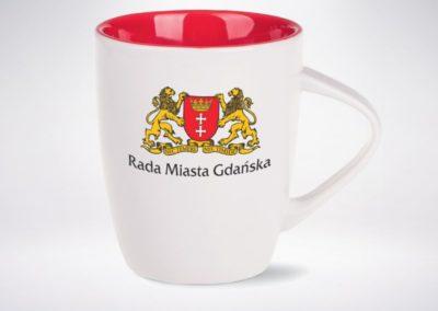 Biało czerwony kubek reklamowy z logo UM Gdańsk